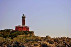 Klippen u. Leuchtturm Lizenzfreies Stockfoto