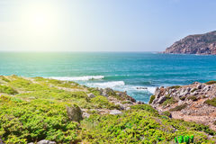 Klippen und Felsen auf der Atlantik-Küste Lizenzfreies Stockbild