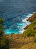 Klippen und Nebenflüsse über dem Meer am La Ciotat Lizenzfreie Stockfotos