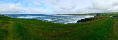 Klippen van Moher, Doolin-panorama stock fotografie