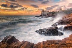 Klippen von Calafuria Stockbild