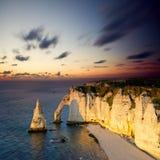 Klippen von Etretat, Frankreich Stockbilder