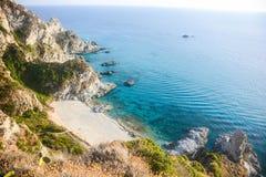 Klippen von italienischen Küsten stockbilder