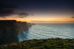 Klippen von Moher am Sonnenuntergang in Co Clare Ireland Europe stockbilder