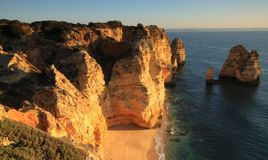 Klippengezichten in Pointe DE Piedade, Algarve, Portugal Stock Afbeelding