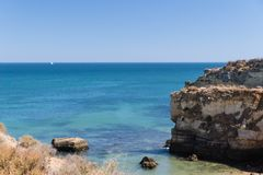 Klippenküstenlinie in Lagos, Algarve, Portugal Stockfoto