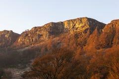 Klippenoberteile nahe Pistyll Rhaeadr Stockbild