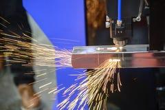 Klippet för bitande maskin för laser det rostfria röret Arkivfoton