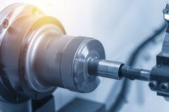 Klippet för CNC-drejbänkmaskin eller för vändande maskin tråden arkivfoton
