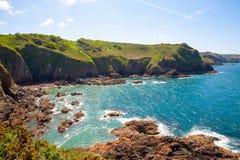 Klippor av ön av Jersey royaltyfri bild
