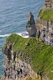 Klippor av Moher, detaljfoto av vaggar bildande, ståndsmässiga Clare, Irland Royaltyfria Bilder
