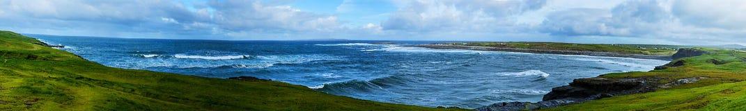 Klippor av Moher, Doolin panorama Fotografering för Bildbyråer