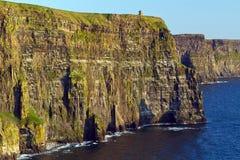 Klippor av Moher i Co. Clare Arkivbilder
