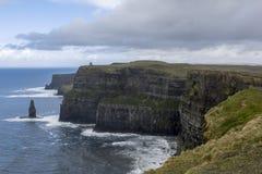 Klippor av Moher i Irland Royaltyfria Bilder