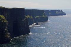 Klippor av Moher i Irland Royaltyfri Fotografi