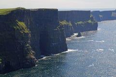 Klippor av Moher i Irland Arkivfoto