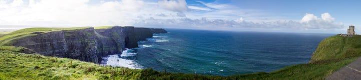 Klippor av Moher panorama Fotografering för Bildbyråer