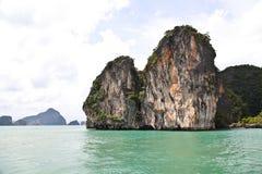 Klippor i det Andaman havet Royaltyfri Bild