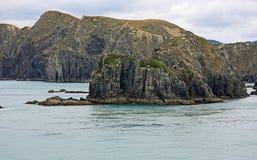 Klippor i kocken Strait royaltyfri fotografi