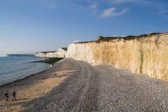 Klippor och strand på Birling av Gap Royaltyfri Foto