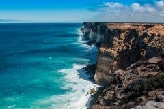 Klippor på den stora australiern Bigh Arkivfoto