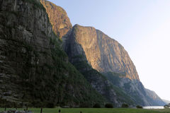 Klippor på Lysefjord, Norge Royaltyfri Bild