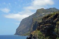 Klippor på söderna av madeiraön - Cabo Girao royaltyfria bilder