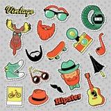 Klistermärkear, lappar, emblem med skägg, mustasch och hjortar för Hipstertappningmode stock illustrationer