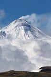 Kliuchevskoivulkaan - actieve vulkaan van het Schiereiland van Kamchatka Royalty-vrije Stock Foto