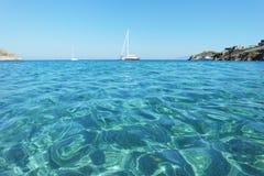 Kliva in i havet royaltyfri foto