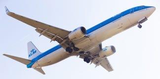 KLM航空公司平面着陆 库存照片