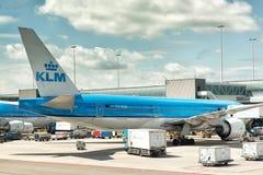 KLM à l'aéroport Amsterdam de Schiphol Photographie stock