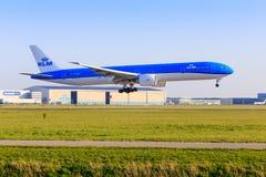 KLM Боинг 777 в новой ливрее Стоковые Изображения RF
