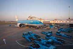 KLM Боинг 777 стоковые фото