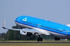 klm 737 tar av Royaltyfria Bilder