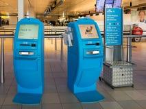 KLM arrivent l'aéroport de Schiphol Amsterdam, Hollande Image stock