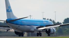 KLM Boeing 737 που προσγειώνεται φιλμ μικρού μήκους