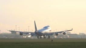 KLM Boeing 747 που προσγειώνεται απόθεμα βίντεο