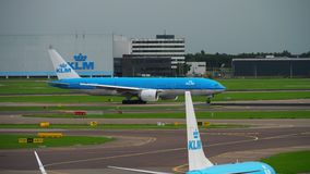 KLM Boeing 777 przyśpiesza przed odjazdem zbiory