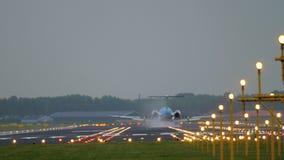 KLM Cityhopper福克战斗机70着陆 影视素材