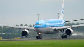 KLM-Luchtbus 330 vertrek stock video