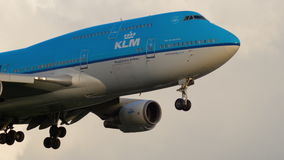 KLM näherndes Boeing 747 stock video footage