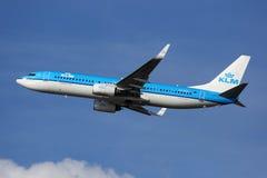 KLM Royal Dutch flygbolagBoeing 737-800 flygplan Fotografering för Bildbyråer