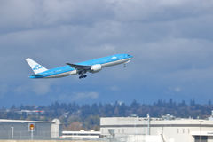 KLM Royal Dutch Jet Leaves Vancouver commerciale, Canada Images libres de droits