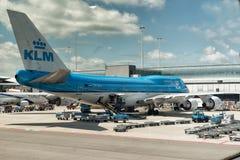 KLM an Schiphol-Flughafen Amsterdam stockbild