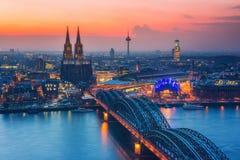 Köln an der Dämmerung Lizenzfreies Stockfoto