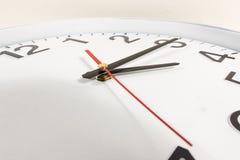 Klocka eller abstrakt bakgrund för tid Arkivbilder