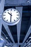Klocka för drevstation Arkivfoto