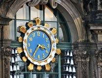 KLOCKA FÖR DREVSTATION royaltyfria bilder