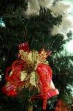 Klocka handtag på julgranen Fotografering för Bildbyråer